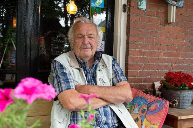 Tjeerd Booyenga organiseert oldtimerrit in Vries