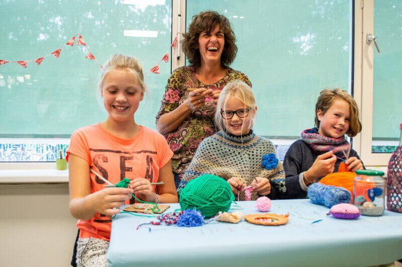 Kinderen Leren Haken Koken En Reanimeren De Krant Van Tynaarlo