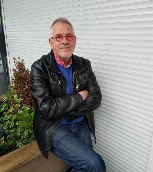 Lex van Hemert, voorzitter van de jubileumcommissie Mannenkoor Vries