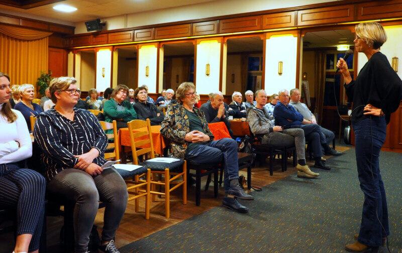 Oprichting Drents Gasberaad tijdens Aardbevingscafé in Zuidlaren