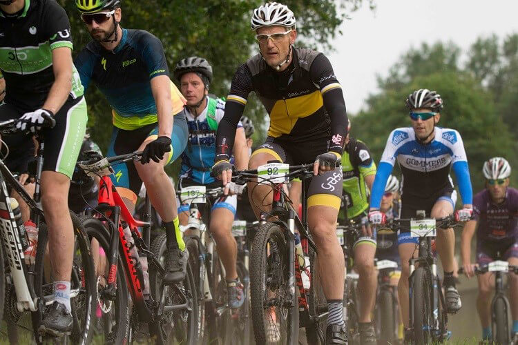 Invasie van mountainbikers door Zuidlaren