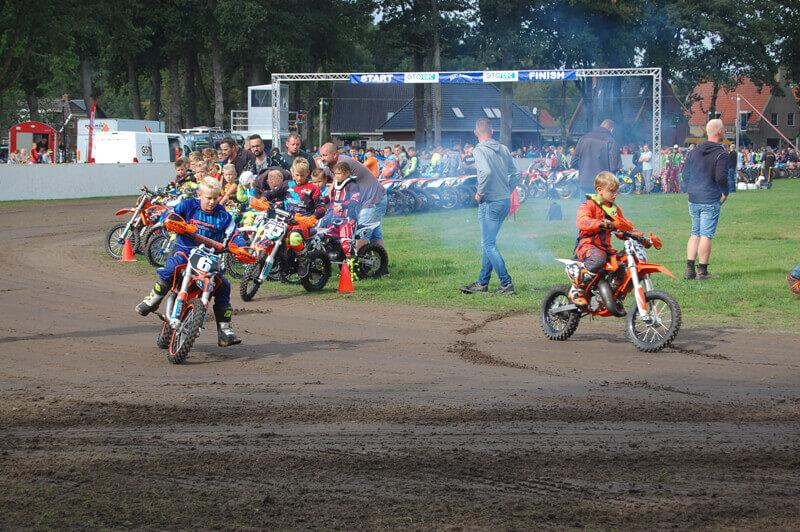 Motorevenement op de Brink in Annen weer druk bezocht
