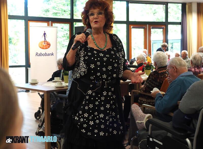 Imca Marina vermaakt bewoners Kornoeljehof Zuidlaren
