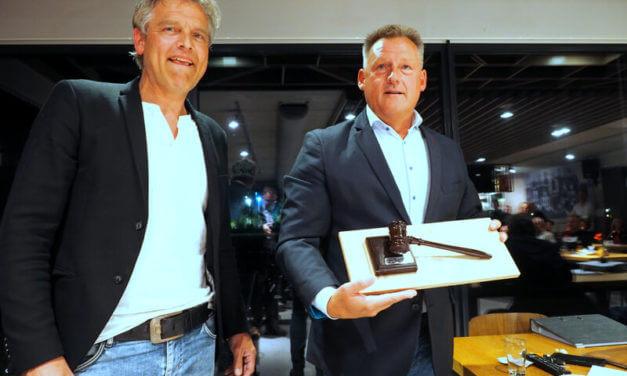 Koos Koops benoemt tot erevoorzitter VAKO