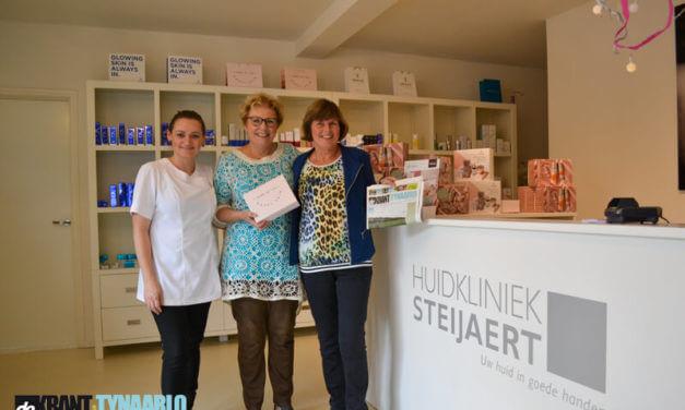 Mevrouw Pelgrim-Veen uit Zuidlaren wint de Krant van Tynaarlo Jubileumpuzzel