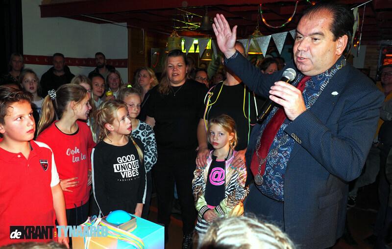 Ongenode Gast – Opening Jeugdsoos Vries