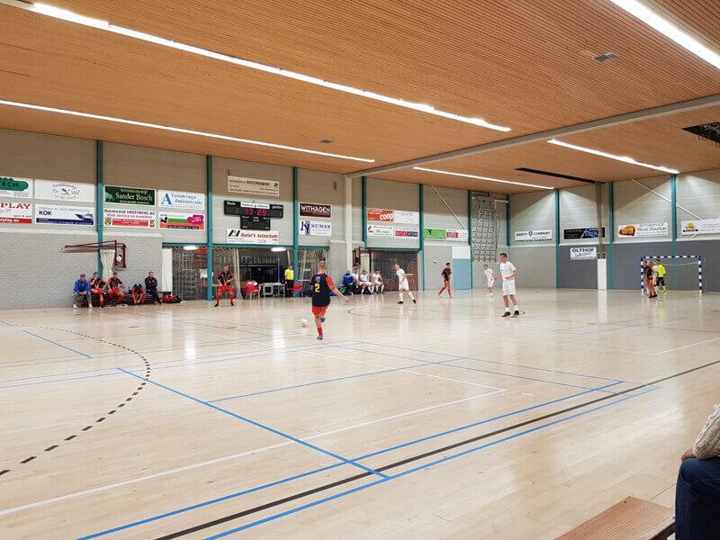 Zaalvoetballers REUZ hard onderuit tegen Hoogeveen