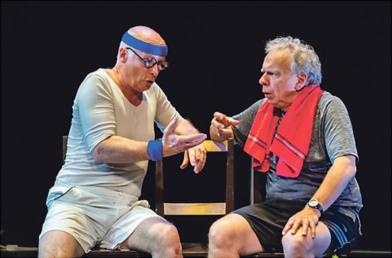 Bruun en Jan spelen 'Wat nou oud?' in Theater Mozaïek