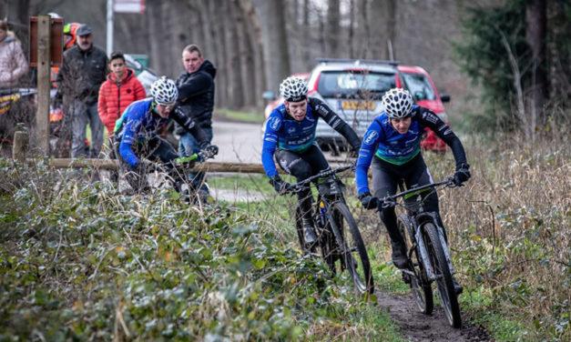 Tim Smeenge sluit goed seizoen af met winst in Drenthe 200