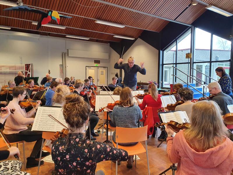 Veenkoloniaal Symfonie Orkest repeteert bij Visio De Brink