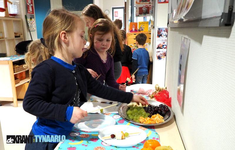 Leerlingen De Vijverstee verwennen ouders in eigen Kinderrestaurant