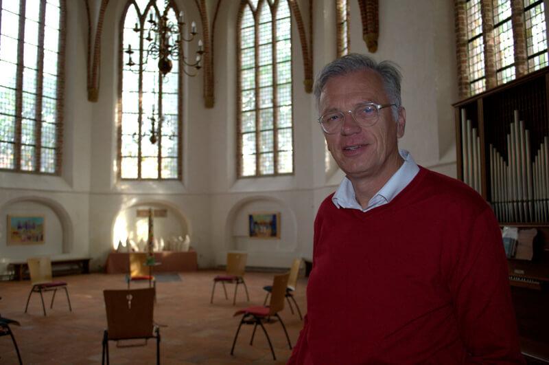 Dominee Bert Altena spreekt zijn zorgen uit over coronacrisis