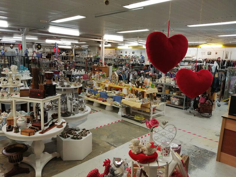 Kringloopwinkel Vries bestaat 15 jaar